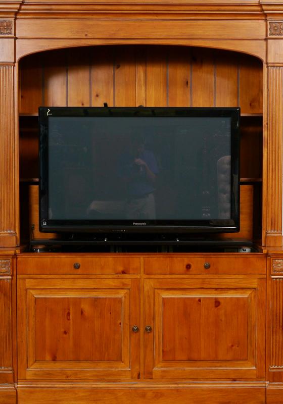 Delicieux Lot 1223. ETHAN ALLEN TELEVISION LIFT CABINET: ...